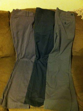 Sz 4 Womens Pants - The Limited (x4)Old Navy (1)Outback Red (1) - $35 (Mid-City)