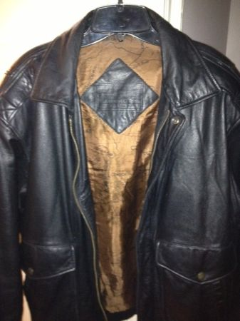 Mens Black Leather Jacket RoundTree  Yorke Size M - $50 (Mandeville, LA)