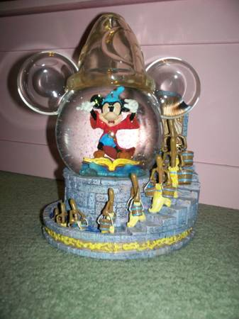 fantasia hat snow globe - $75 (kenner)