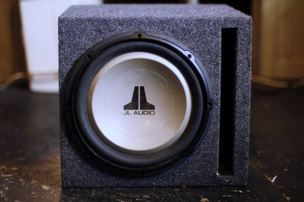 10 JL AUDIO SUB (In Sub Box)  ALPINE V POWER AMP (MRP-M450) - $300 (New Orleans, LA)
