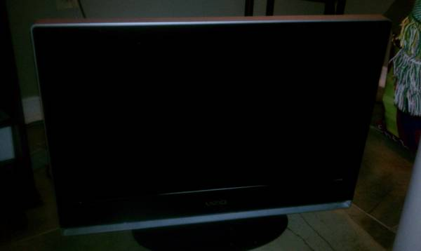 32 inch Vizio Flat Screen TV - $100 (Metairie)