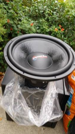 2 new American bass xfl 18s 200 watt peak each - x0024600 (Mandeville)