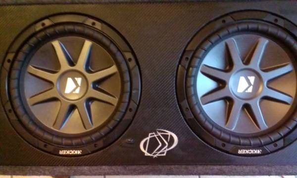 2 12 INCH KICKER COMP VR AND KICKER BOX - x0024250 (METAIRIE)