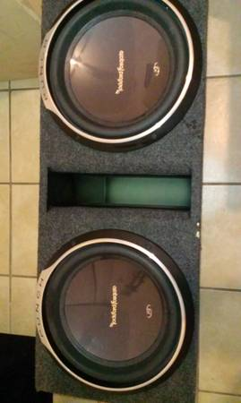 2 12 INCH ROCKFORD FOSGATE P3 SUBS AND CUSTOM PORTED BOX - x0024550 (METAIRIE)