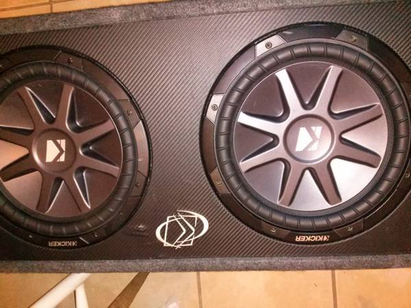 2 12 KICKER COMP VR DUAL 2 OHM AND A KICKER PORTED BOX - x0024250 (METAIRIE)