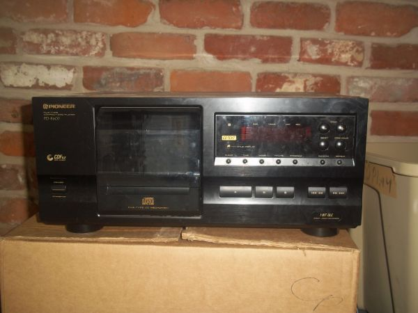 Pioneer 25 disc cd player - $70 (Slidell)