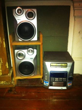 RCA RADIO, 5 Disc CD changer, with AMFM, Tape deck Speakers - $25 (New Orleans)