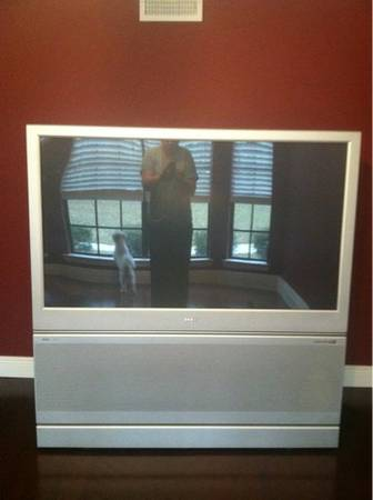 60 rear projection TV for sale - $300 (Slidell)