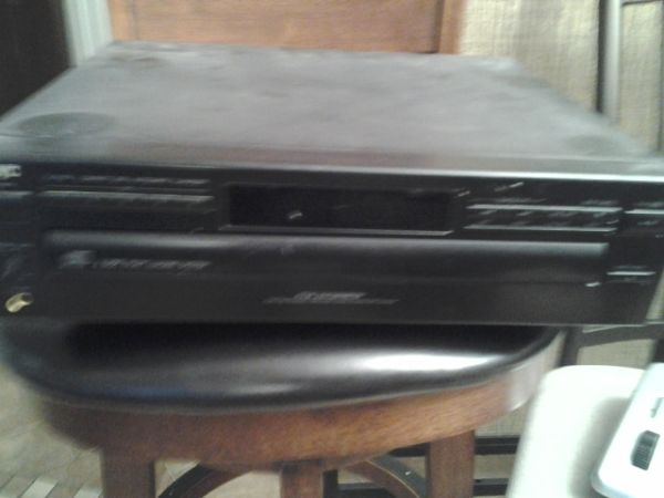 jvc CD player 5 disc, - $25 (metarie )