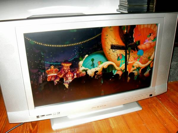 Olevia 27-inch Widescreen Model 327-S12 - $150 (Bywater)