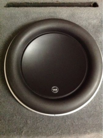 JL Audio 13.5 W7 in custom box - $540 (Metairie)