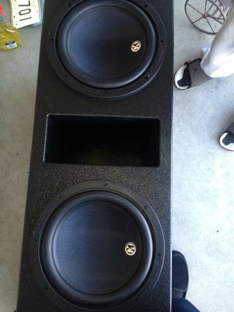 12 inch pro sub box - $250 (Metairie)