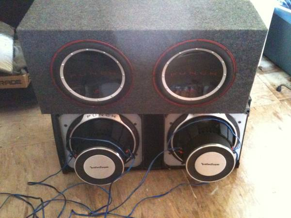 Rockford p3 12 s in ported box p1 12s in sealed box (kenner)