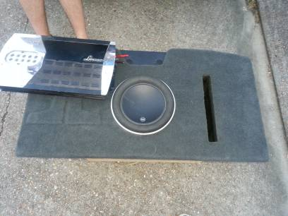 JL W7 10 subwoofer with Lanzar MXA422 (Kenner)