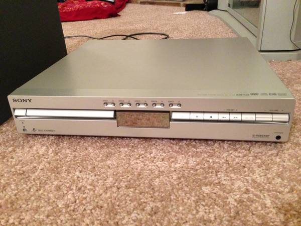 Sony 5-Disc DVD Home Theater System - $100 (River Ridge)