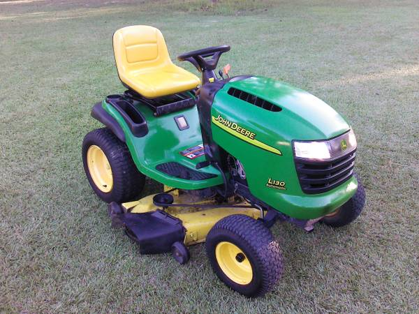 John Deere riding lawn mower - $650 (HAMMOND LA.)