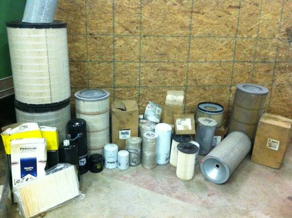 john deere air filters RE63931 and more - $40 (hammond)