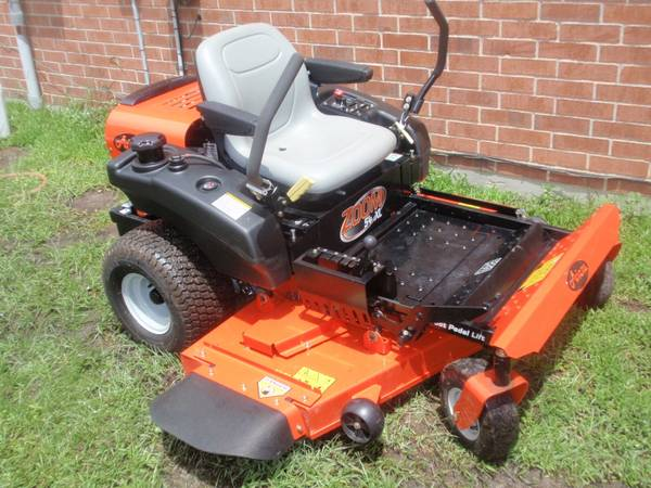 Christmas gift Riding Mowers - $3400 (Slidell)