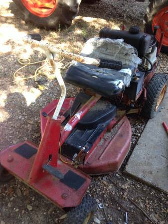 Older Snapper Riding Mower for Parts or Repair - $100 (Hammond)
