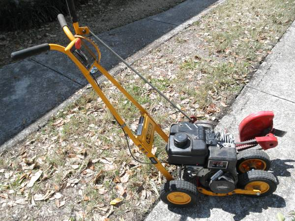McLane walk behind gas edger - $150 (Metairie)