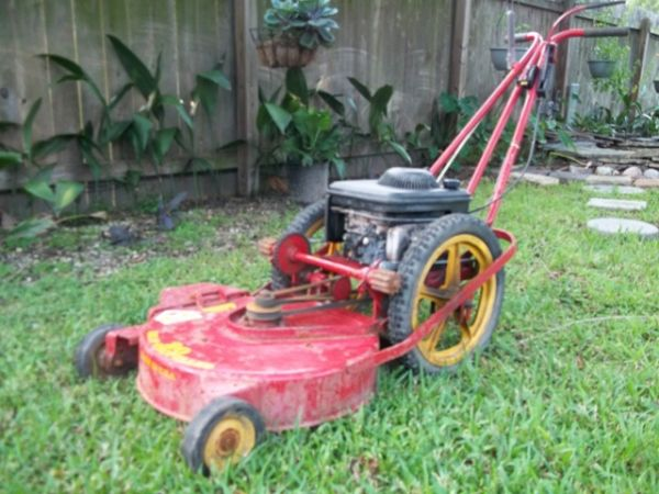 Yazoo Commercial Big Wheel Mower - $399 (Slidell, LA)