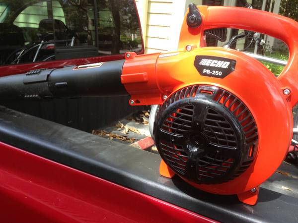 Echo Hedge Trimmer and Blower Hc-150 Pb-250 - $100