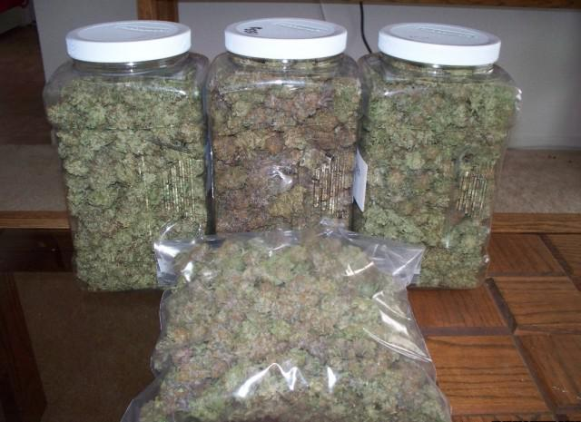 We supply best quality marijuana strains text us 240 324-8173