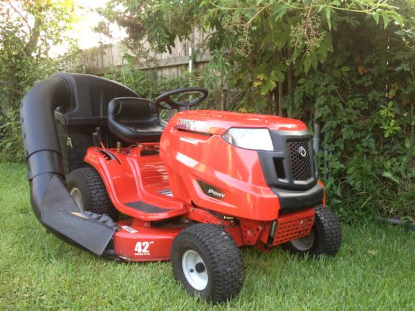 Troy-Bilt pony Riding Lawn Mower 42 - $940 (METAIRIE)