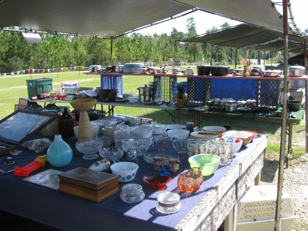 HUGE SALE MENGE FLEA MARKET (Pass Christian MS)