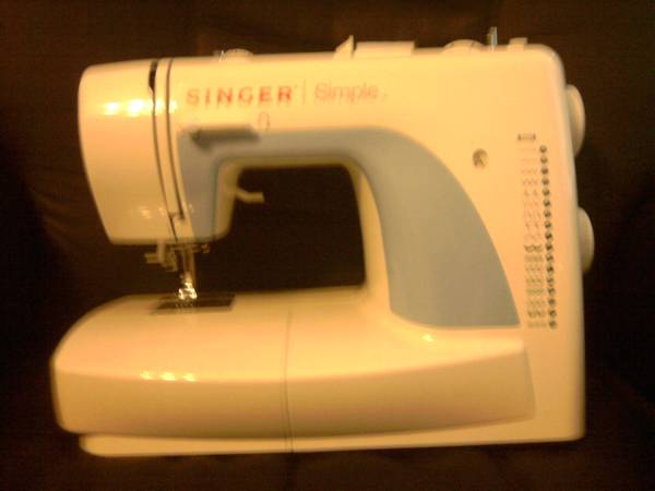 Singer 3116 SIMPLE Mechanical Sewing Machine - $50 (slidell)