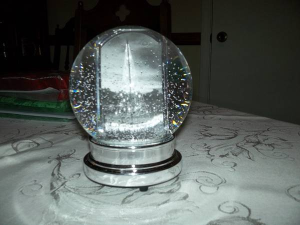 restoration hardware photo snow globe - $40 (kenner)