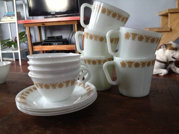 Vintage Corelle Mugs and Tea Cups - $12 (Bywater)