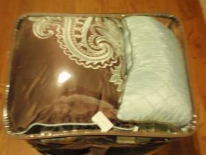 20 pc 12 pc 14 pc Comforter sets ( NEW in packages) - $1 (Slidell)