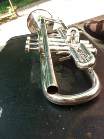 Beautiful Vintage E. BENGE TRUMPET in Bb, case included - x00241100 (Mid-City)