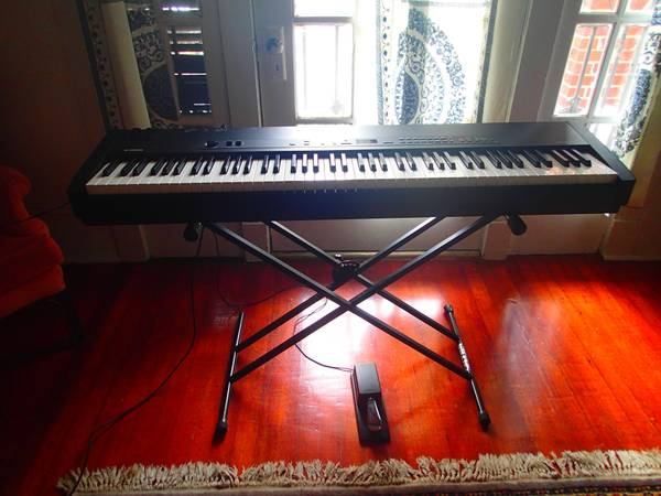 Yamaha Cp33 Stage Piano - $800 (Uptown)