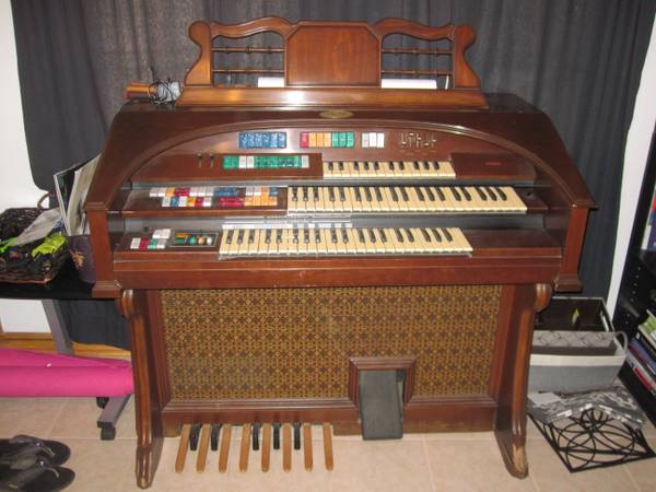 Vintage Wurlitzer Orbit Synthesizer Organ - $350 (Metarie)