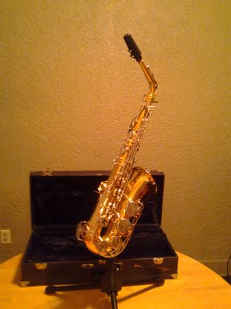 Vito Alto Sax - $350 (Old Jefferson)
