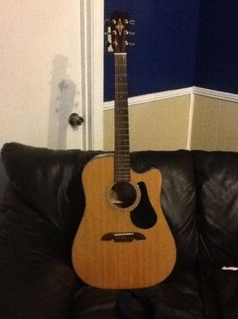 Alvarez RD20SC Cutaway Dreadnought Acoustic Guitar With Case - $125 (Slidell, LA)