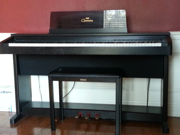 Yamaha Clavinova electric Piano - $600 (Slidell)