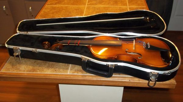 GLAESEL Violin Model V130E4 44 - $300 (NOLA)