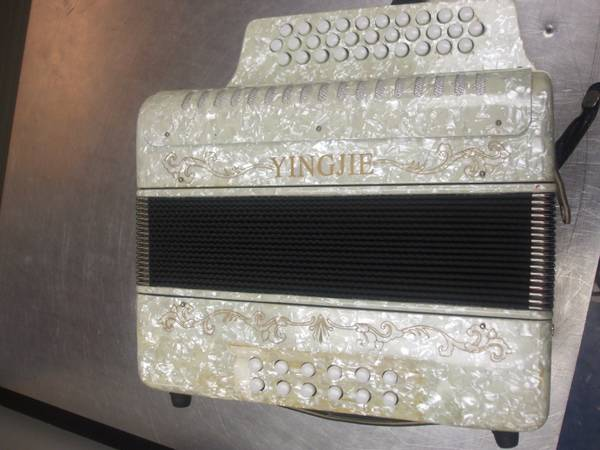 ACCORDION by YINGJIE - $169 (2212 4th st, Harvey, LA 70058)