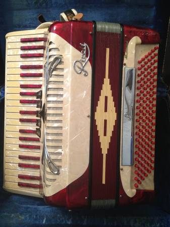 Accordion Vintage Rivoli By Sonola Mother of Pearl Red 120 - $349 (Kenner)