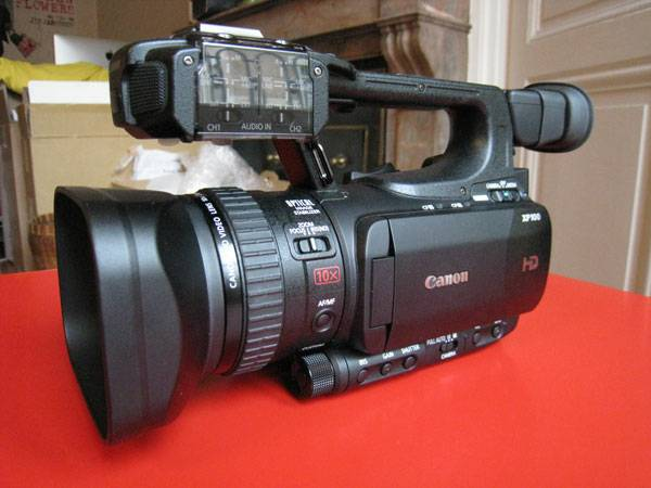 Canon XF100 For Sale -   x0024 2300  Mid City