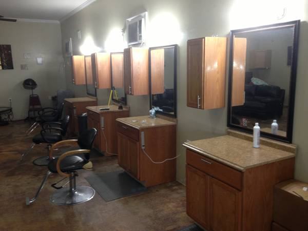Stylist,Nail tech work for your self (kenner)
