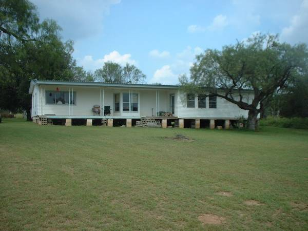 3br - 2300ft sup2  - Swap Remodeling Work for Rent  amp  Utilities  Llano  TX
