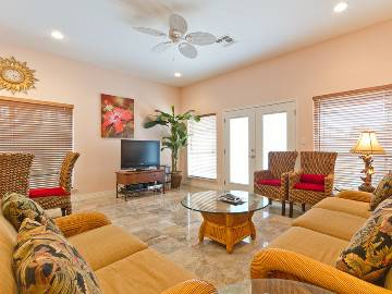 - $300 3br - Vacation home rental (South Padre Island)