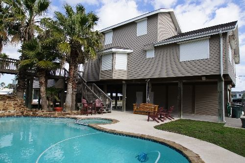 3br - 3 Bedroom Beach House With A Pool For A Great Price (Galveston)