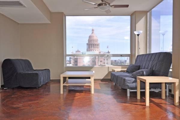 - $2750 1br - 950ftsup2 - 12wSSofa, Downtown Austin Condo -Managed by TurnKey Vacation Rentals (Downtown)