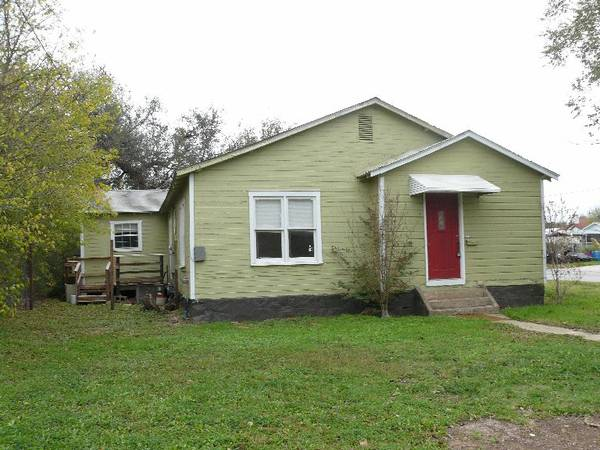 - $39900 3br - Perfect Fit Owner Will Finance, No Bank NEEDED (1409 W Dry, San Saba, TX)