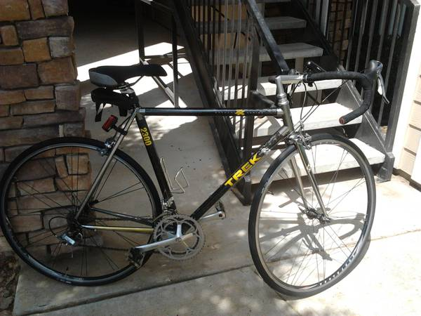 ..Trek Road Racing Bike, lightweight -just had a tuneup new Tires... - $760 (Austin)